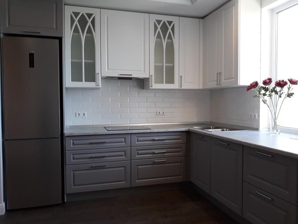 Белый кухонный гарнитур-Кухня МДФ в ПВХ «Модель 324»-фото3