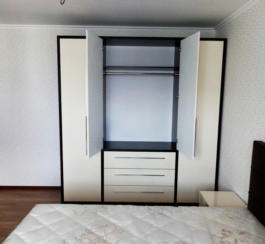 Белые шкафы-купе-Распашной шкаф МДФ «Модель 234»-фото4