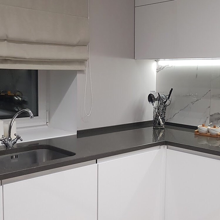 Белый кухонный гарнитур-Кухня МДФ в эмали «Модель 592»-фото3